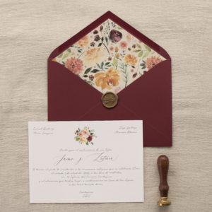 Invitación de boda con sobre forrado